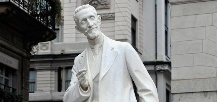 Statue von Giulio Ricordi in Mailand aufgestellt